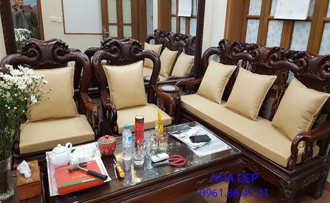 nệm ghế gỗ cổ điển